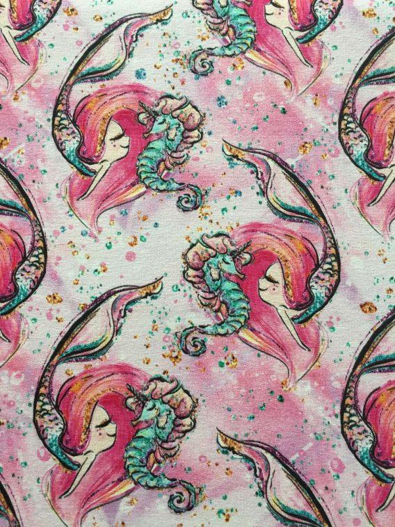 v IMG 9729 e1541251281101 568x758 - 0,46m Sommersweat - French Terry - Kombistoff (Endstück) zum Panel Seepferdchen und Nixe / Mermaid / Mädchen - pink gold türkis rosa weiß - ca. 165cm breit - Digital - Ökotex