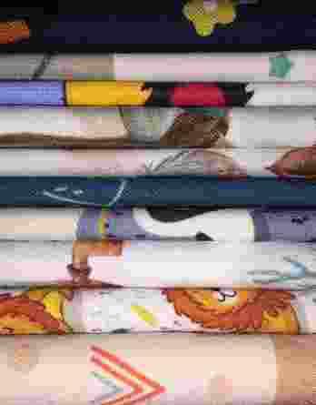 2m Jungen Baumwollstoff Stoffreste Überraschungspaket | 20cm bis 45cm hoch bei voller Breite | 100% Baumwolle – 130g/m2 bis 150g/m2 – Ökotex